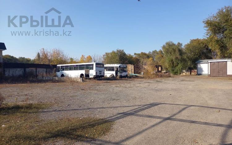 Промбаза 50 соток, Шолохова за 250 млн 〒 в Алматы, Жетысуский р-н