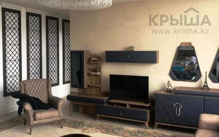 4-комнатная квартира, 170 м², 14 этаж помесячно, Байтурсынова 9блокF2 за 650 000 〒 в Нур-Султане (Астана), Алматы р-н