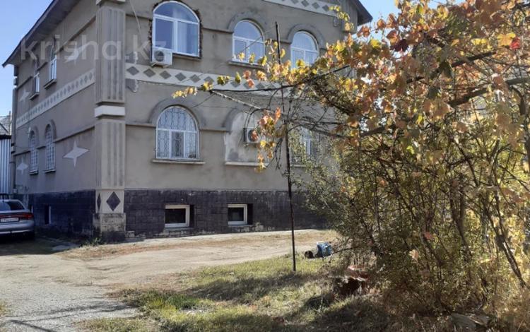 9-комнатный дом, 400 м², 18 сот., мкр Калкаман-2, Мкр Калкаман-2 за 83 млн 〒 в Алматы, Наурызбайский р-н
