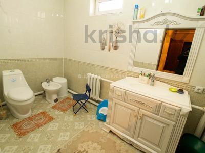 5-комнатный дом, 250 м², 10 сот., Мкр Восточный 1 — Шыгыс за 50 млн 〒 в Талдыкоргане — фото 24