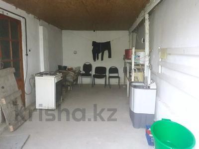 4-комнатный дом, 90 м², 6 сот., Лукманова за 7.5 млн 〒 в Таразе