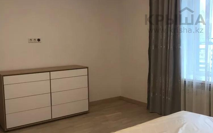 3-комнатная квартира, 120 м², 5 этаж помесячно, Самал 2 33а за 450 000 〒 в Алматы, Медеуский р-н