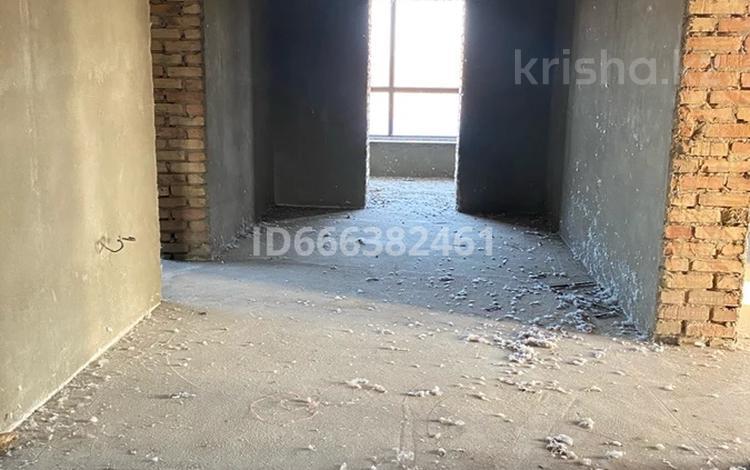 7-комнатный дом, 420 м², 25 сот., Байтленова за 58 млн 〒 в Таразе