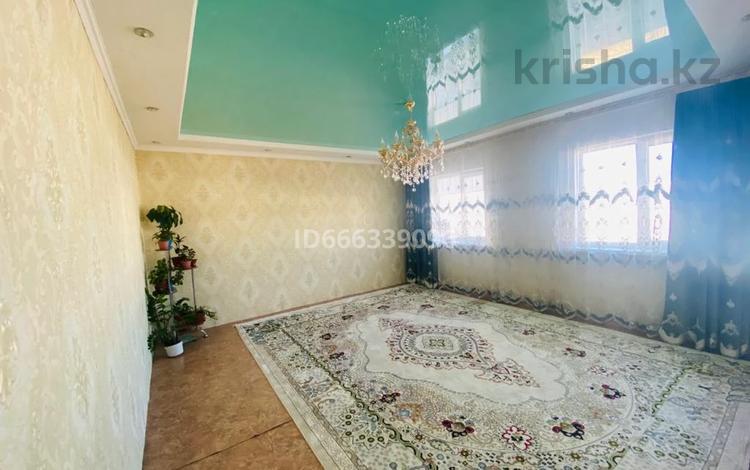 4-комнатный дом, 120 м², 15 сот., Агыбаева 26 за 22 млн 〒 в Бурыл