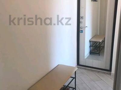 2-комнатная квартира, 50 м², 3/5 этаж посуточно, Центральная 3 за 10 000 〒 в Атырау