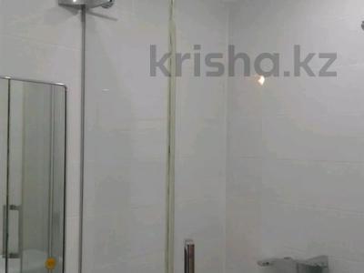 2-комнатная квартира, 50 м², 3/5 этаж посуточно, Центральная 3 за 10 000 〒 в Атырау — фото 11