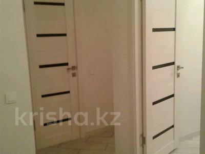 2-комнатная квартира, 50 м², 3/5 этаж посуточно, Центральная 3 за 10 000 〒 в Атырау — фото 6