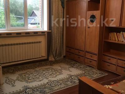 5-комнатный дом, 200 м², 3 сот., Жамбула 63 — Гоголя за 57 млн 〒 в Караганде, Казыбек би р-н