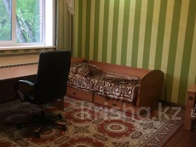 5-комнатный дом, 200 м², 3 сот., Жамбула 63 — Гоголя за 57 млн 〒 в Караганде, Казыбек би р-н — фото 2