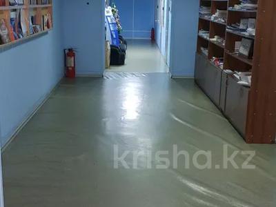 Здание, площадью 1057 м², Жанибекова за 180 млн 〒 в Караганде, Казыбек би р-н — фото 4