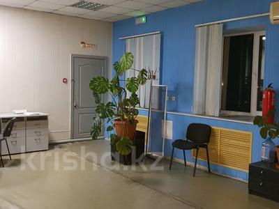 Здание, площадью 1057 м², Жанибекова за 180 млн 〒 в Караганде, Казыбек би р-н — фото 7