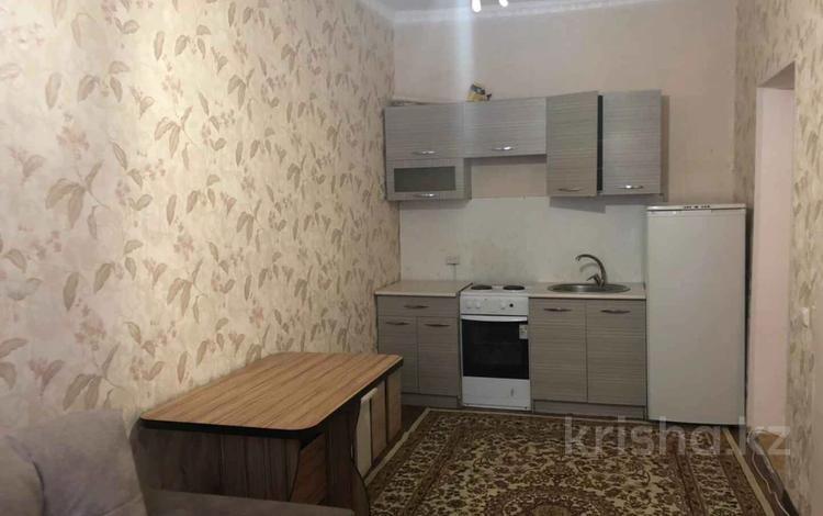 1-комнатная квартира, 30 м², 1/2 этаж, Сакена Сейфуллина за 7.8 млн 〒 в Нур-Султане (Астане), Сарыарка р-н