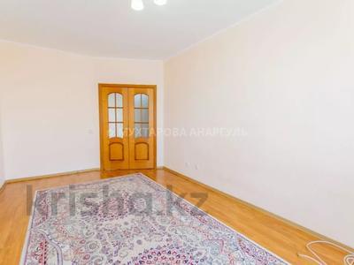 2-комнатная квартира, 53.9 м², 7/10 этаж, Отырар 10 за 19 млн 〒 в Нур-Султане (Астана), р-н Байконур — фото 16