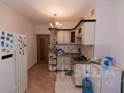 3-комнатная квартира, 93 м², 13/14 этаж, Сыганак 10 за 29 млн 〒 в Нур-Султане (Астана), Есиль р-н — фото 13