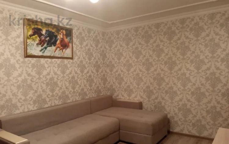 2-комнатная квартира, 43 м², 3/5 этаж, Республика за 13.8 млн 〒 в Нур-Султане (Астана), р-н Байконур