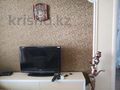 2-комнатная квартира, 63 м², 3/5 этаж посуточно, улица Машхур Жусупа 1 — Торайгырова за 8 000 〒 в Павлодаре — фото 4