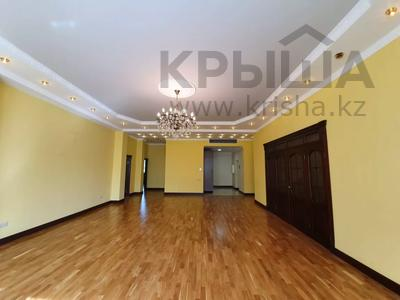 4-комнатная квартира, 225 м², 2/6 этаж помесячно, Чайковского 149 за 700 000 〒 в Алматы, Алмалинский р-н — фото 2