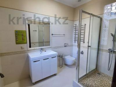 4-комнатная квартира, 225 м², 2/6 этаж помесячно, Чайковского 149 за 700 000 〒 в Алматы, Алмалинский р-н — фото 3