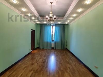 4-комнатная квартира, 225 м², 2/6 этаж помесячно, Чайковского 149 за 700 000 〒 в Алматы, Алмалинский р-н — фото 6
