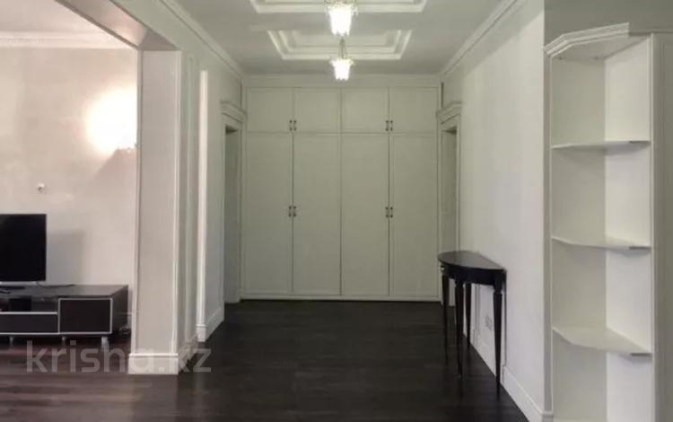 4-комнатная квартира, 210 м², 5/7 этаж помесячно, мкр Баганашыл, Санаторная 30 — Аль-Фараби за 800 000 〒 в Алматы, Бостандыкский р-н