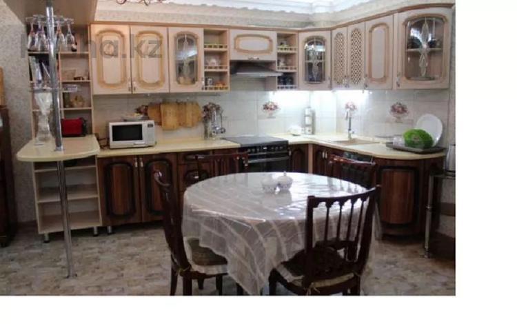 4-комнатный дом, 208 м², 6 сот., Куленовка 8 за 43 млн 〒 в Усть-Каменогорске
