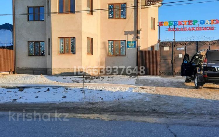 9-комнатный дом, 290 м², 9 сот., улица Дулатова 46 за 45 млн 〒 в