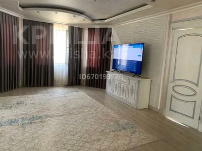 7-комнатный дом, 285 м², 8 сот., мкр Самал-3 Алмалыбақ 113 — Ізгілік за 85 млн 〒 в Шымкенте, Абайский р-н