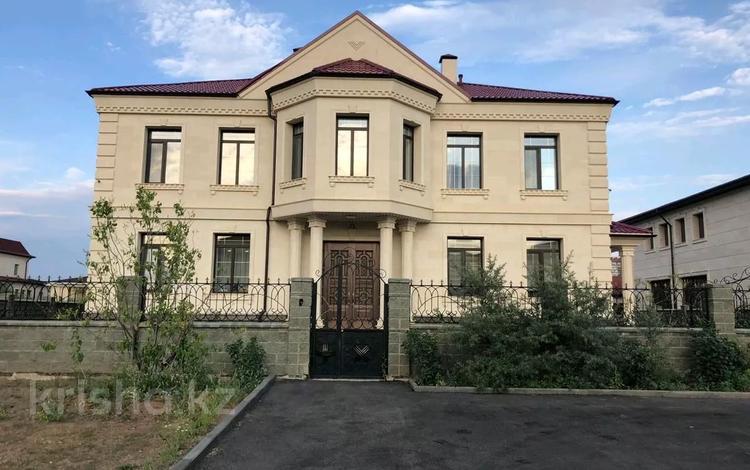 9-комнатный дом помесячно, 700 м², 15 сот., Депутатский за 4 млн 〒 в Нур-Султане (Астана), Есиль р-н