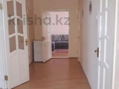 3-комнатная квартира, 120 м², 9/9 этаж, Бараева 2/1 за 33 млн 〒 в Нур-Султане (Астана), р-н Байконур — фото 10