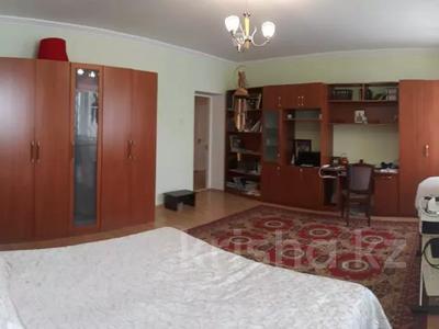 3-комнатная квартира, 120 м², 9/9 этаж, Бараева 2/1 за 33 млн 〒 в Нур-Султане (Астана), р-н Байконур — фото 9