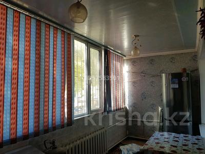 3-комнатная квартира, 80 м², 1/4 этаж, Мкр 1 25 за 15 млн 〒 в Туркестане