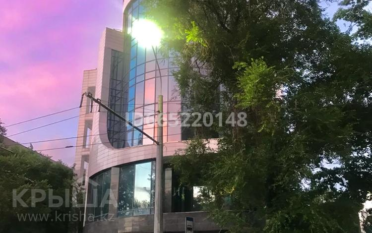 Здание, площадью 2700 м², Абылай Хана 122а — Курмангазы за ~ 2.5 млрд 〒 в Алматы, Алмалинский р-н