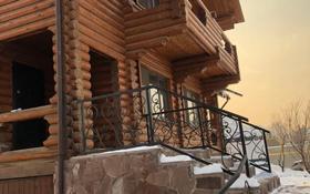5-комнатный дом посуточно, 200 м², Асета Найманбаева за 50 000 〒 в Алматы, Медеуский р-н