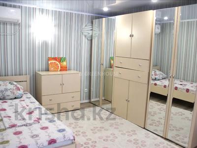 3-комнатная квартира, 120 м², 10/11 этаж посуточно, 15-й мкр 56 за 14 000 〒 в Актау, 15-й мкр — фото 4