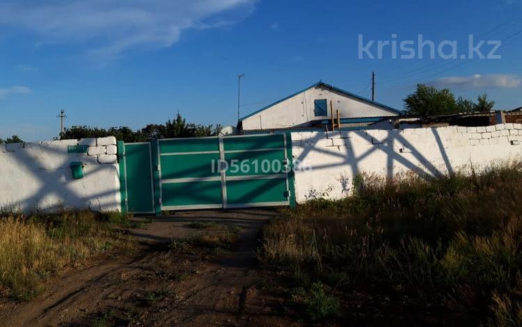 4-комнатный дом, 110 м², 25 сот., ДЭУ за 5 млн 〒 в Денисовке