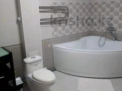 2-комнатная квартира, 80 м², 10/18 этаж посуточно, Кулманова 1Б за 13 000 〒 в Атырау — фото 17
