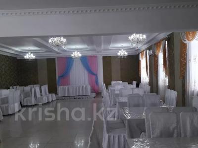 Здание, площадью 654 м², проспект Каржаубайулы 103 за 65 млн 〒 в Семее — фото 2