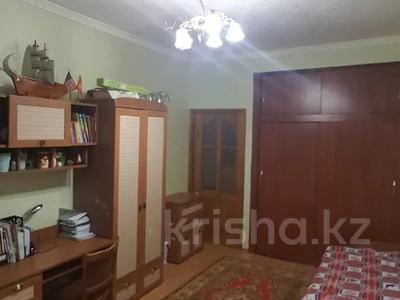 2-комнатная квартира, 51 м², 1/4 этаж, Ленина 9 за 14 млн 〒 в Караганде, Казыбек би р-н