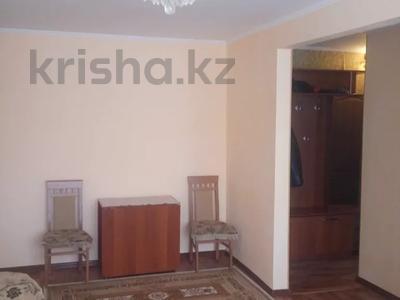3-комнатная квартира, 57 м², 1/5 этаж, Глинки 27 — Карменова за 10.8 млн 〒 в Семее