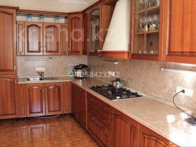 7-комнатный дом, 250 м², 7.5 сот., Крупская — Мкр Каспий за 105 млн 〒 в Атырау — фото 13