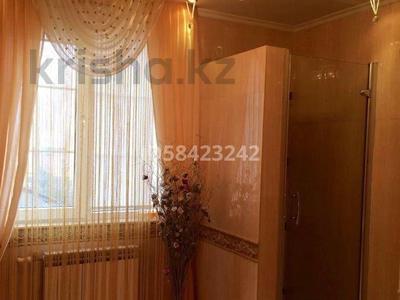 7-комнатный дом, 250 м², 7.5 сот., Крупская — Мкр Каспий за 105 млн 〒 в Атырау — фото 16