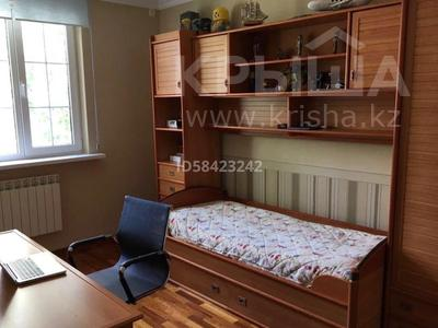 7-комнатный дом, 250 м², 7.5 сот., Крупская — Мкр Каспий за 105 млн 〒 в Атырау — фото 17