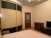 4-комнатная квартира, 135 м², 1/5 этаж помесячно