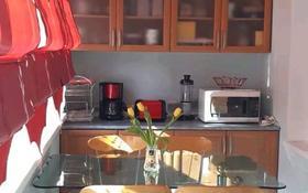 2-комнатная квартира, 70 м², 3/5 этаж посуточно, Айтиева 8 — Айтеке би за 10 000 〒 в Таразе