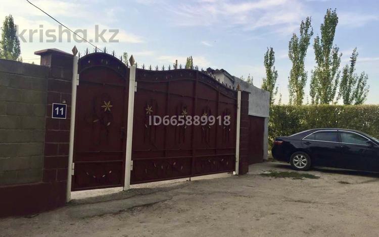 4-комнатный дом, 120 м², улица Бекназарова 11 за 21 млн 〒 в Таразе