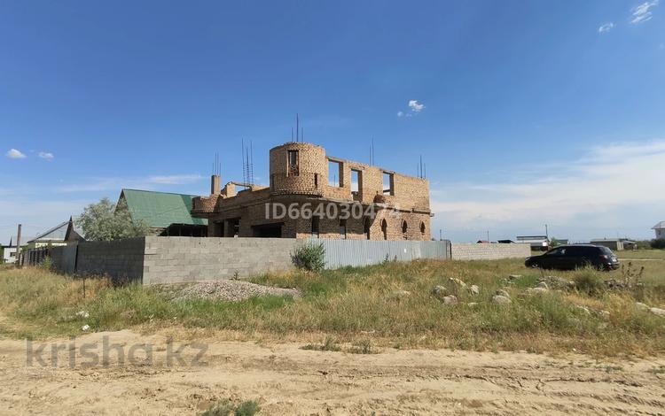 8-комнатный дом, 230 м², 8 сот., Новостройка за 12 млн 〒 в