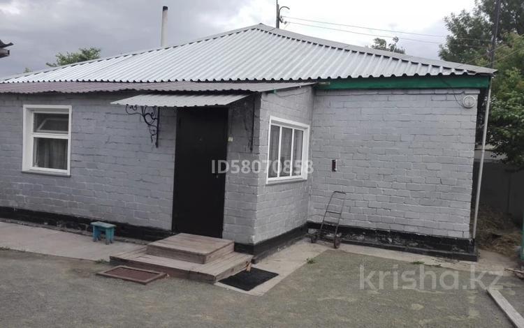 3-комнатный дом, 70 м², 9 сот., Мира за 9 млн 〒 в Жетекши
