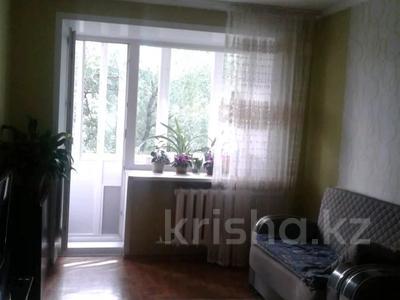 3-комнатная квартира, 63 м², 2/5 этаж, Абая 5 за 20.7 млн 〒 в Усть-Каменогорске