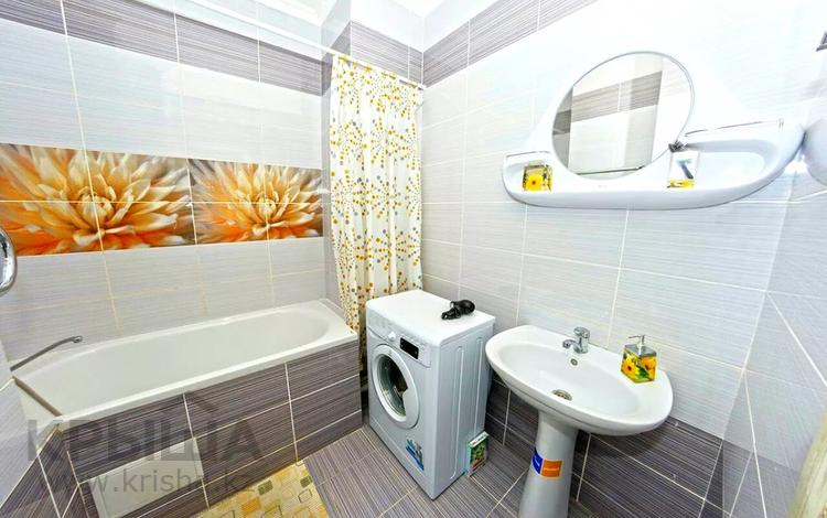 1-комнатная квартира, 50 м², 14 этаж посуточно, Сарайшык 5 за 8 000 〒 в Нур-Султане (Астане), Есиль р-н