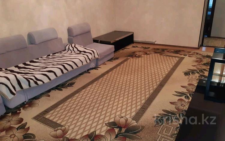 2-комнатная квартира, 66 м², 1/5 этаж помесячно, улица 1 Мая 12 за 90 000 〒 в Шымкенте